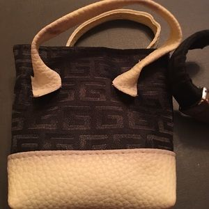 Small Black White G bag with Geneva Bracelet Watch